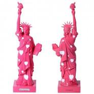 Statuette statue de la liberté rose