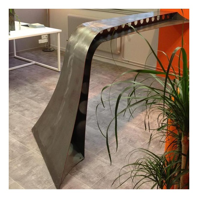 Bar métal Spline curves